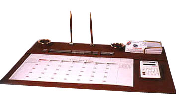 TABLE PLANNER IN LEATHER