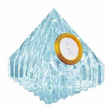 Pyramidal crystal clock