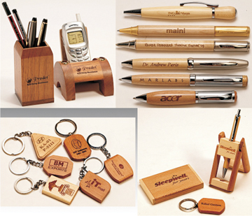 PENS, DESKTOP ITEMS & KEYCHAINS